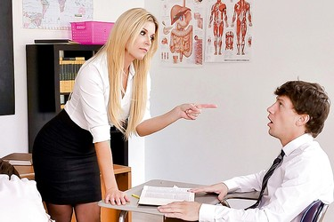 Студентик жарит красивую преподавательницу